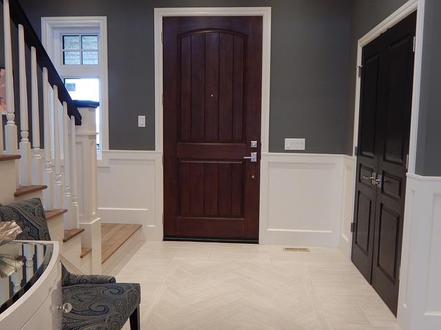 Interiérové dvere, drevené, schody