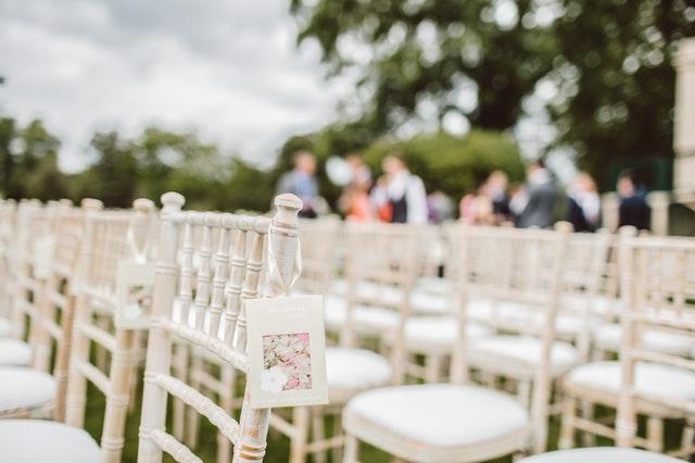svatba židle